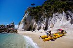 picture of kayaking in Abel Tasman National Park in New Zealand